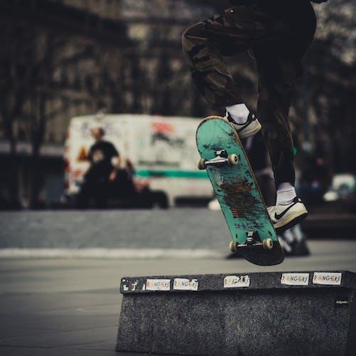 Бесплатное стоковое фото с активный отдых, действие, прыжок, рампа