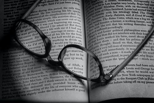 放大鏡, 文字, 書, 讀 的 免費圖庫相片