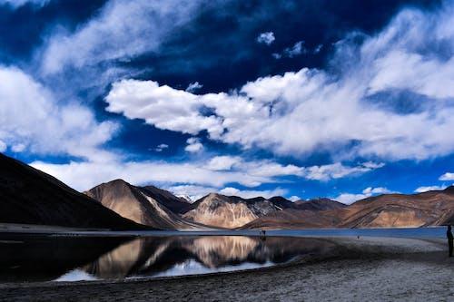 Foto d'estoc gratuïta de a l'aire lliure, llac, muntanya, natura