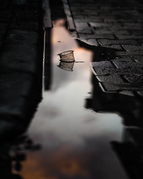 Δωρεάν στοκ φωτογραφιών με αντανάκλαση, αστικός, δρόμος, δύση του ηλίου