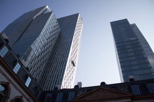 คลังภาพถ่ายฟรี ของ กระจก, การก่อสร้าง, การสะท้อน, ตัวเมือง