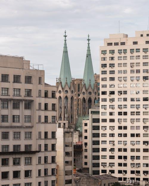 Fotos de stock gratuitas de azul, calle, cielo, edificio