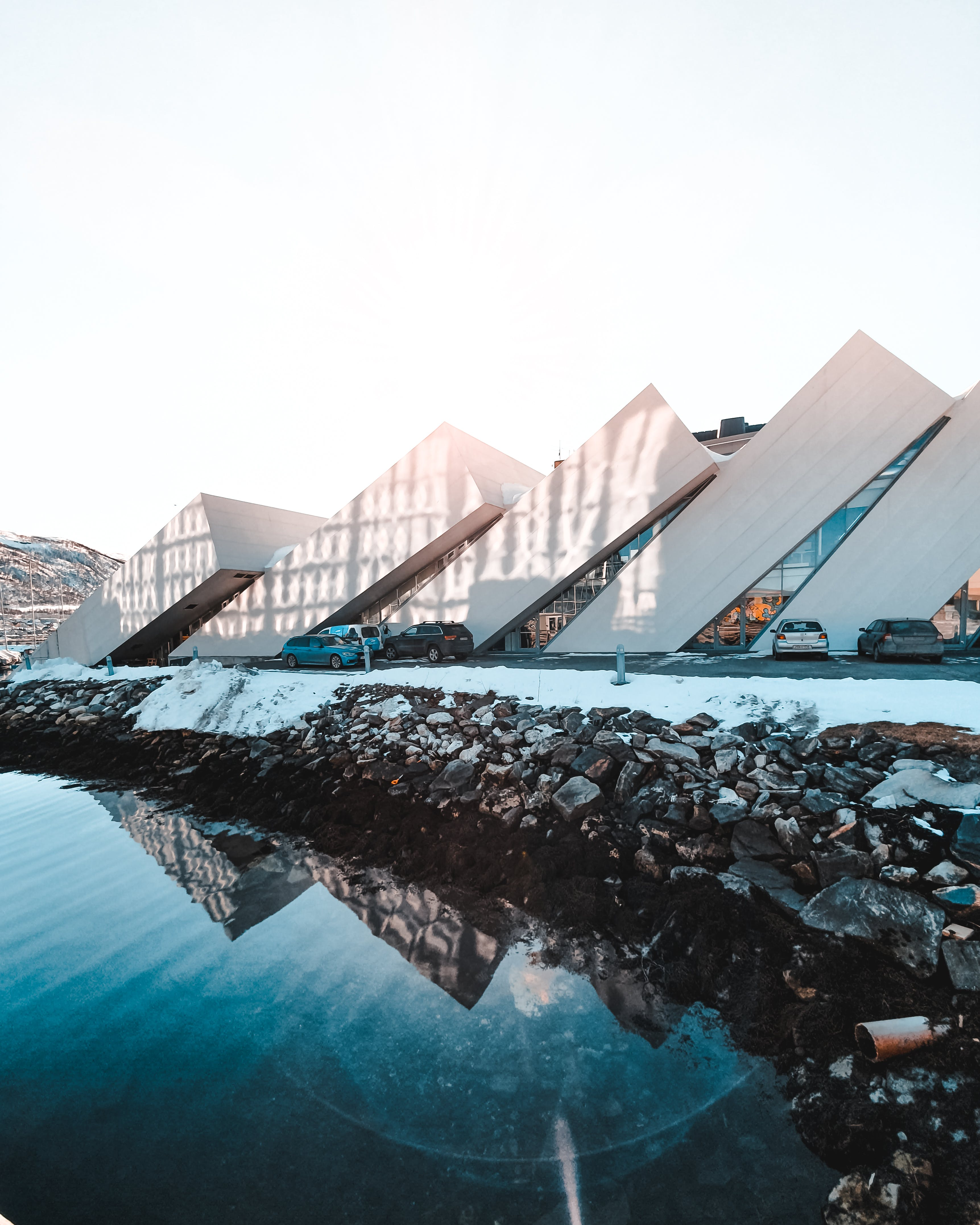 Бесплатное стоковое фото с архитектура, здание, море, океан