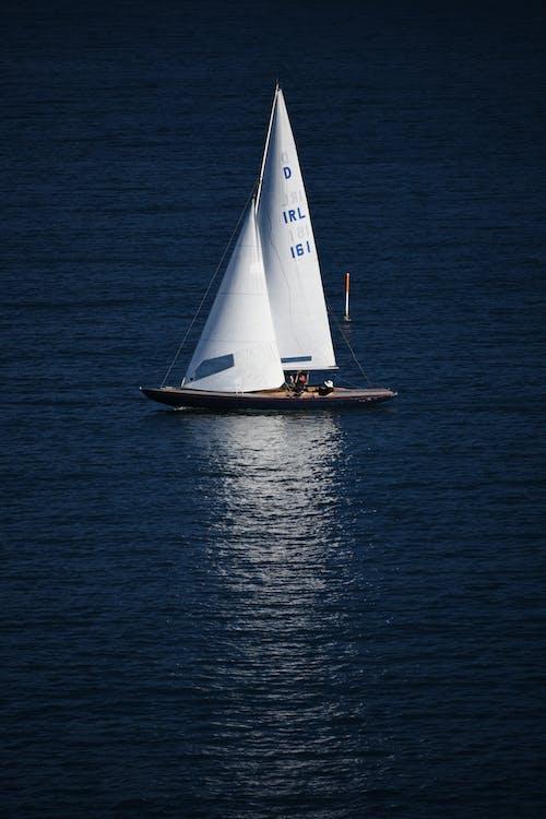 βάρκα, γαλάζια νερά, ηρεμία