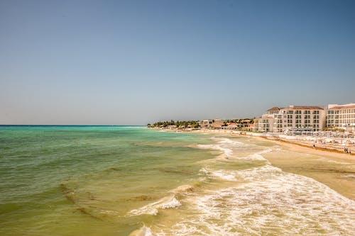 Ilmainen kuvapankkikuva tunnisteilla hiekkaranta, merinäköala, ranta