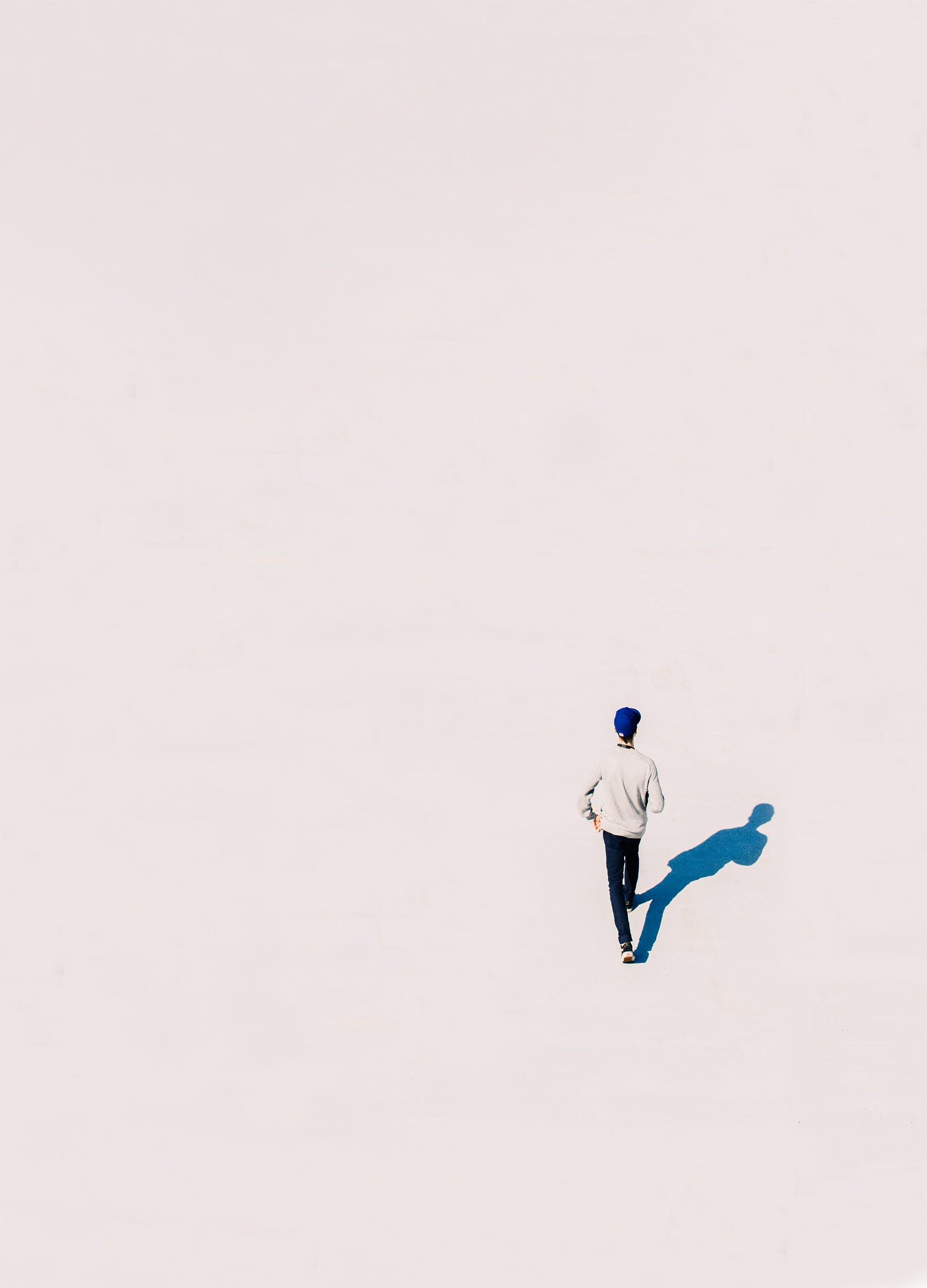 คลังภาพถ่ายฟรี ของ กลางแจ้ง, การเดิน, คน, ผู้ชาย