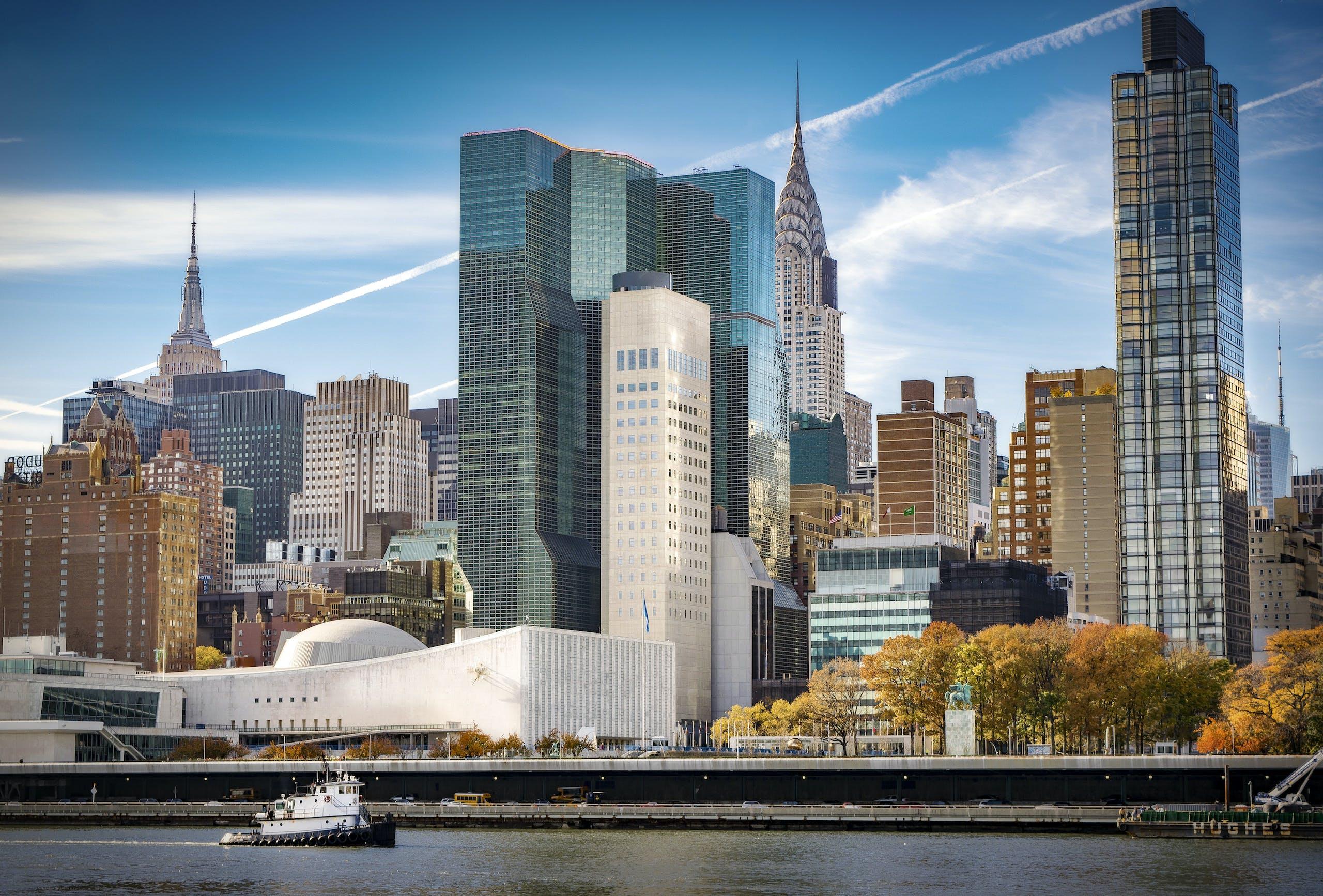 イーストサイドマンハッタン, イーストリバー, エンパイアステートビル, クライスラービルの無料の写真素材