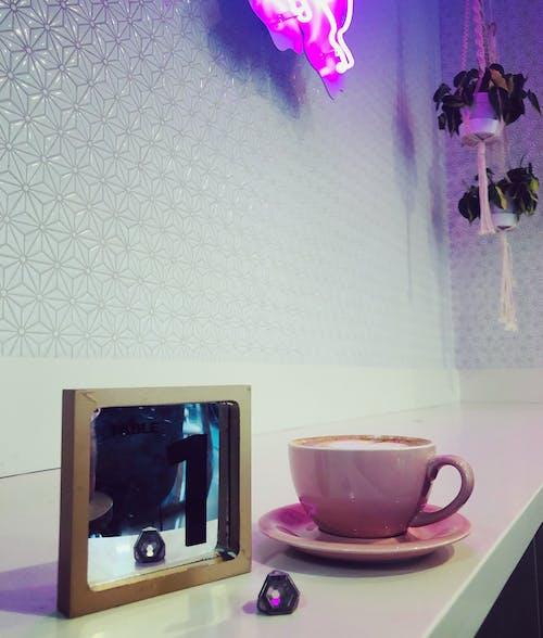 Fotobanka sbezplatnými fotkami na tému držte svoju archu, kaviareň, kryštálov ark