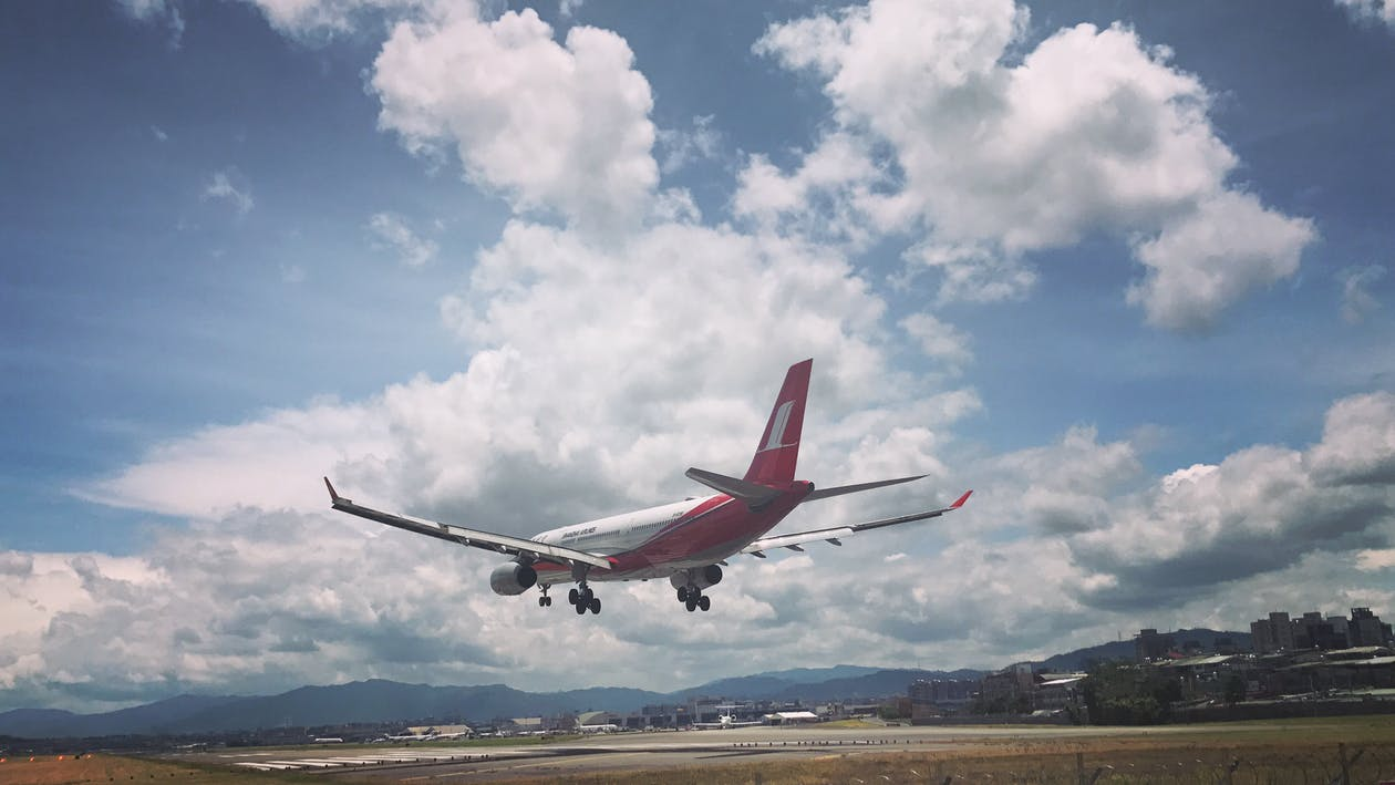 a l'aire lliure, aeròdrom, aeroport
