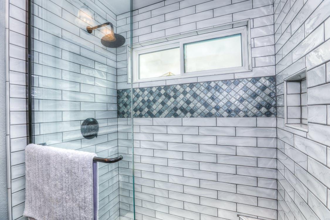 bad, badhanddoeken, badkamer