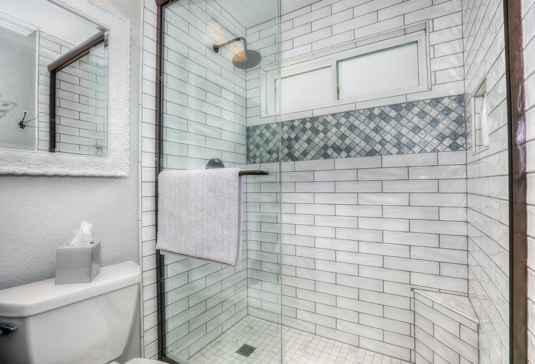 badkamer, douche, spiegel