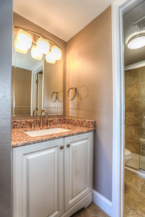 Gratis stockfoto met bad, badkamer, interieur, interieurontwerp