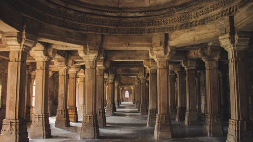 Foto d'estoc gratuïta de arquitectura, columnes, cultura, dins
