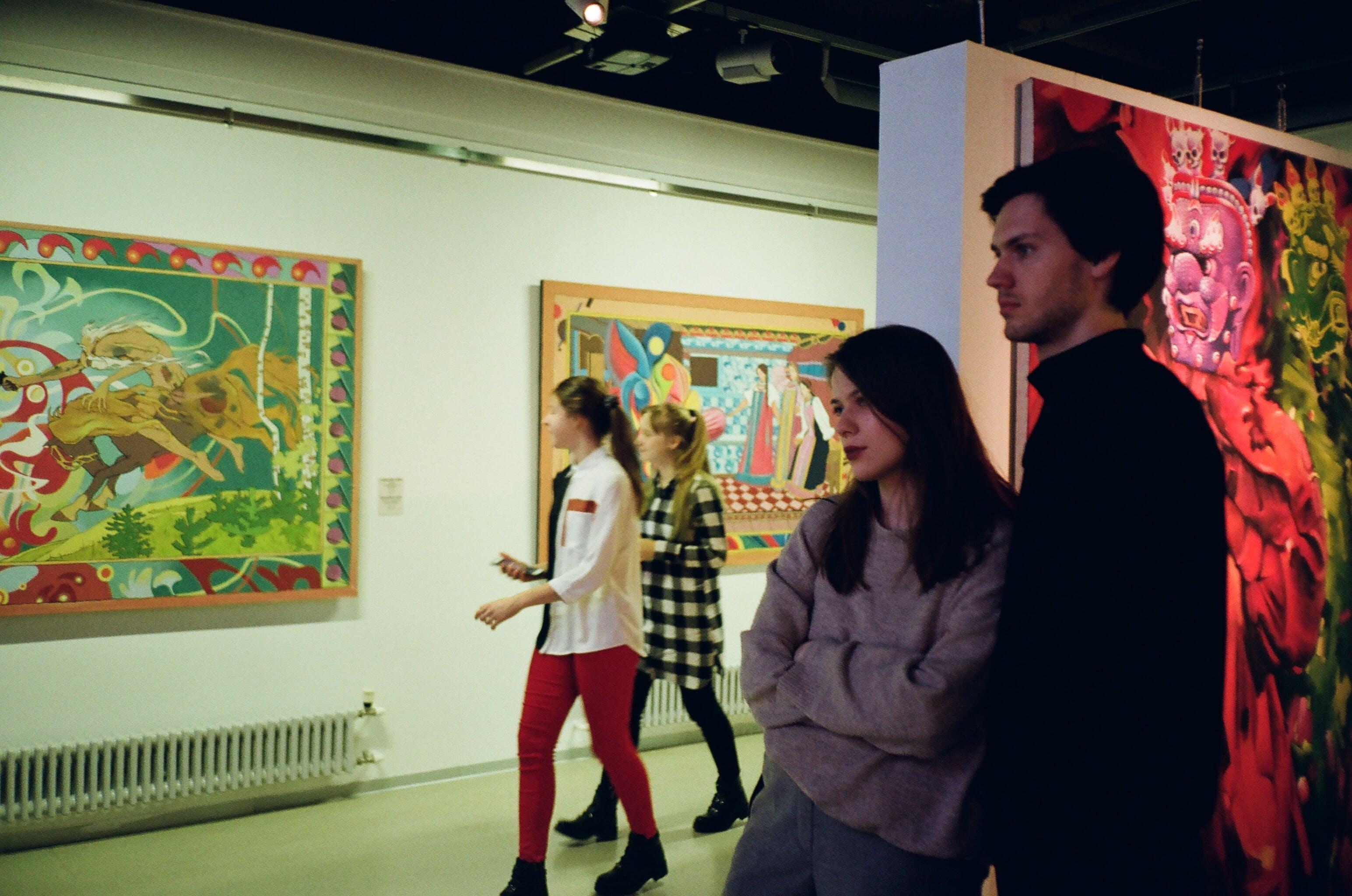 Základová fotografie zdarma na téma dvojice, galerie umění, ilustrace, lidé