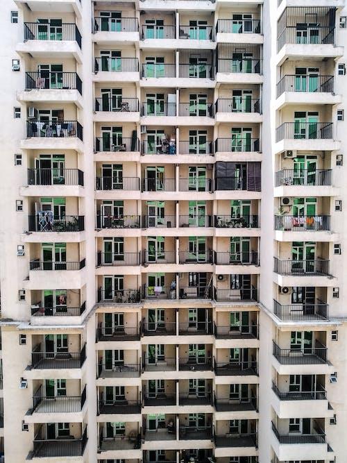 Immagine gratuita di appartamenti, architettura, balconi, case