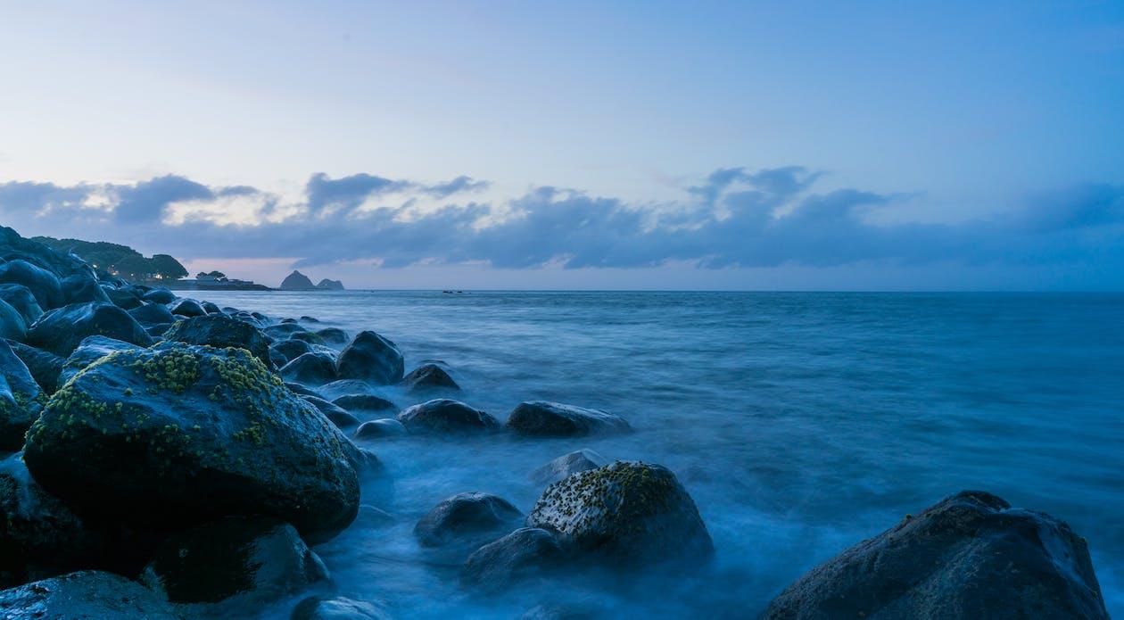 akşam karanlığı, dalgalar, el sallamak