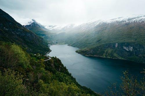 Kostnadsfri bild av berg, dal, dimma, landskap