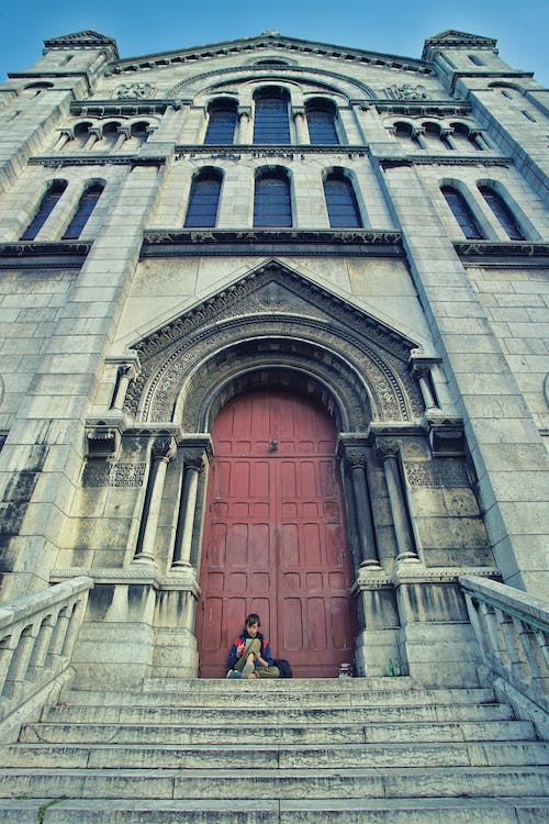 Free stock photo of 20-25 years old man, Basilica of the Sacred Heart of Paris, man, paris
