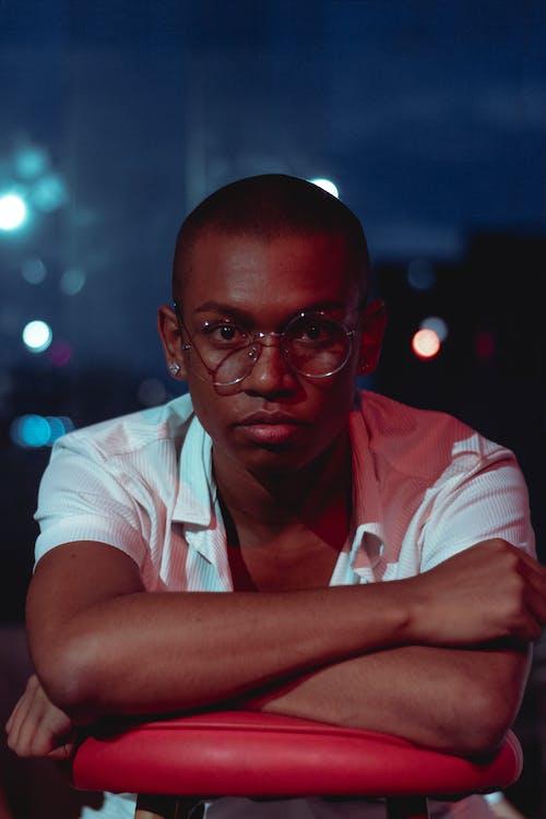 Безкоштовне стокове фото на тему «людина, модель, носити, окуляри»