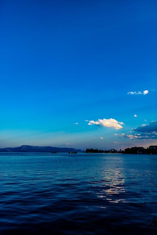 Kostnadsfri bild av blå, himmel, ljus, reflektion