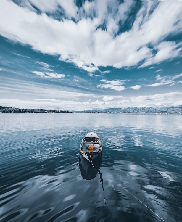 bateau, bateau de pêche, canoë
