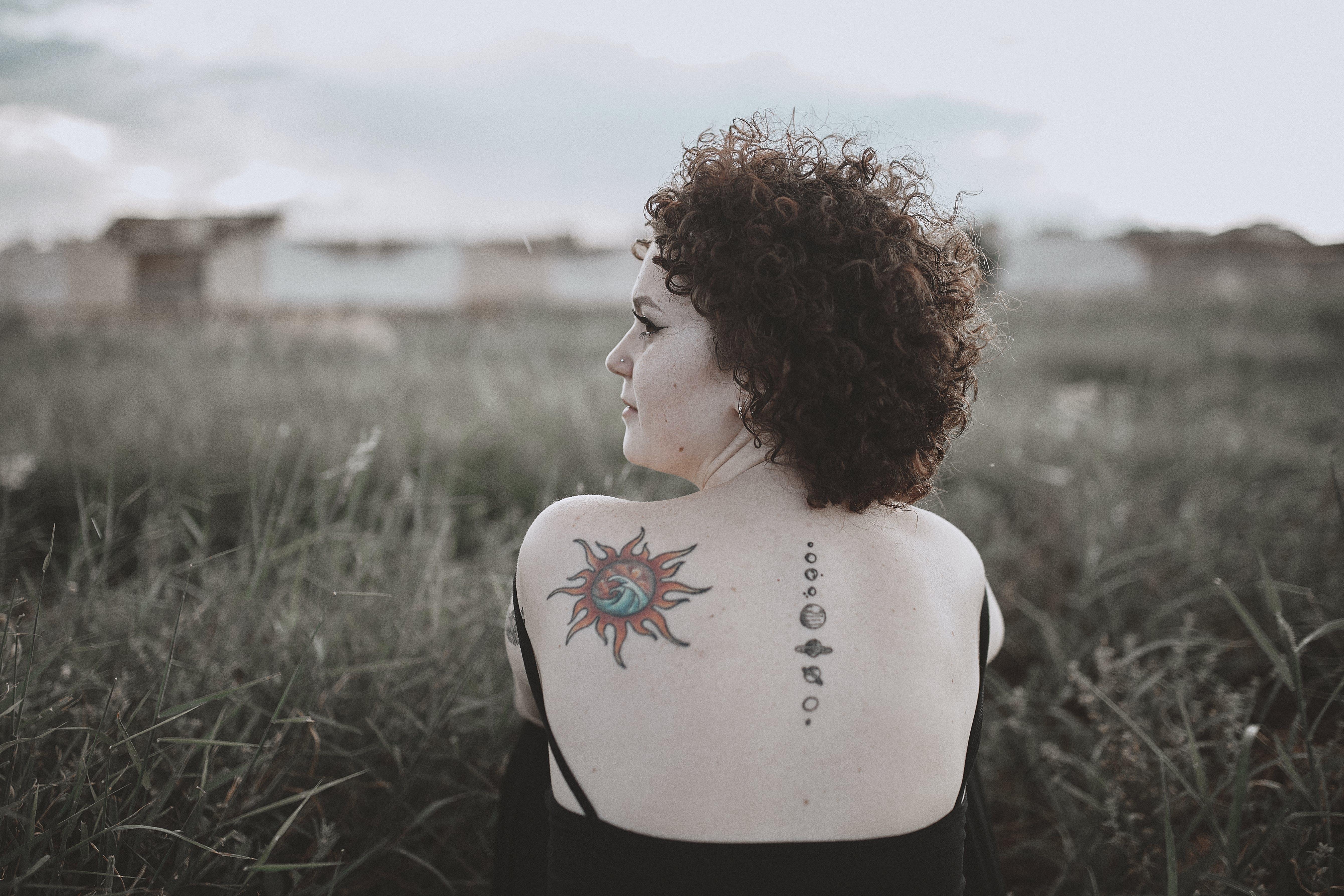 后背, 女人, 田, 草 的 免费素材照片