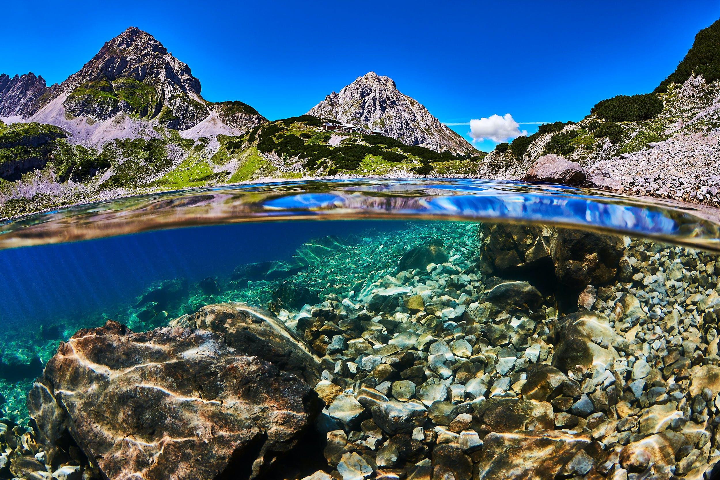 Gratis lagerfoto af bjerg, dagslys, hav, havudsigt
