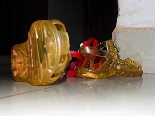 Foto profissional grátis de sapatinhos de bebê, sapatos de bebê