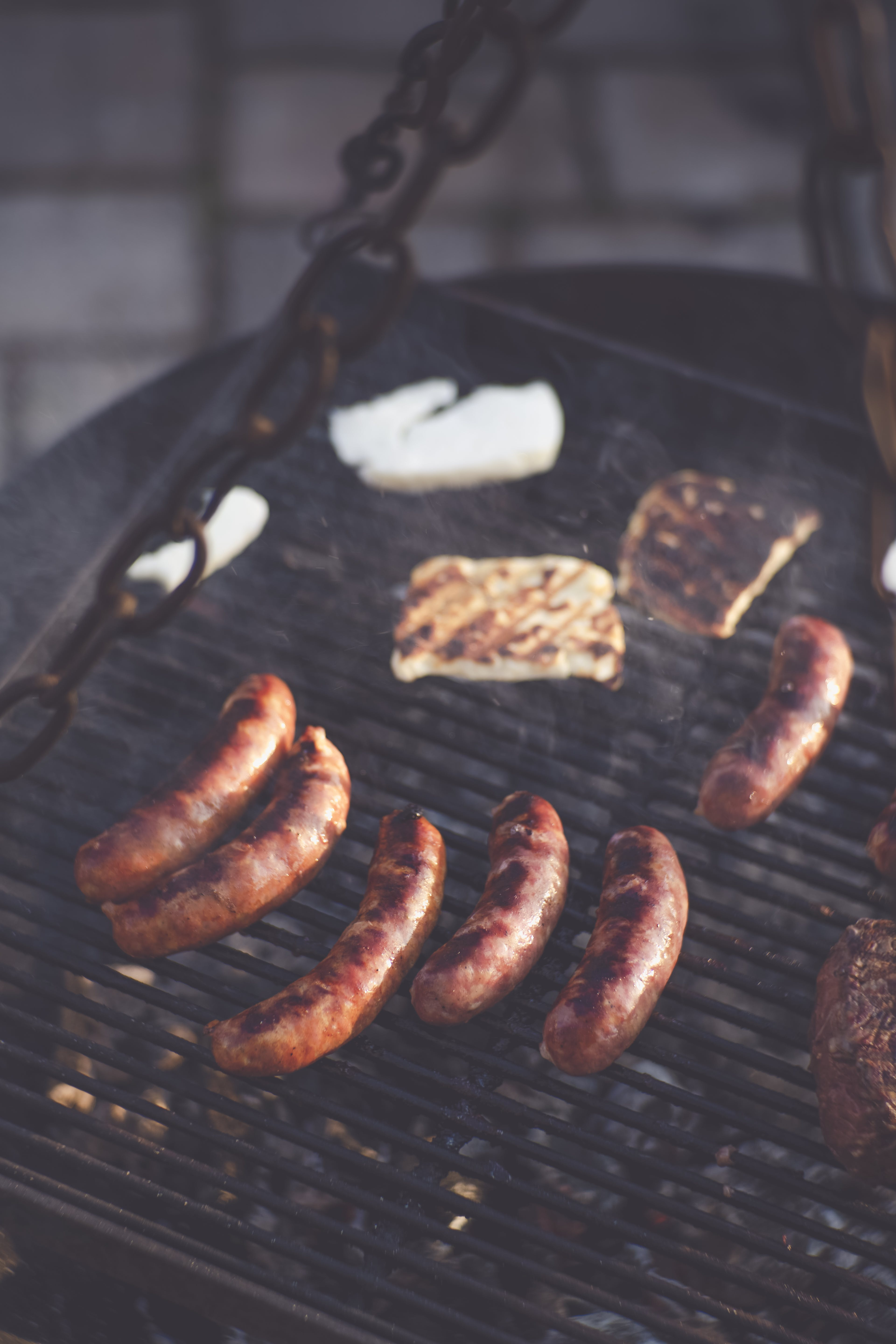 Gratis lagerfoto af BBQ-mad, bratwurst, Camping, charbroiled