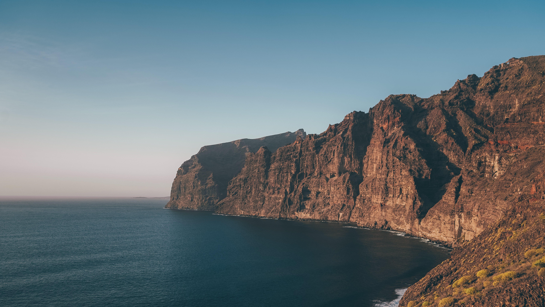 Kostenloses Stock Foto zu berg, dämmerung, draußen, felsenküste