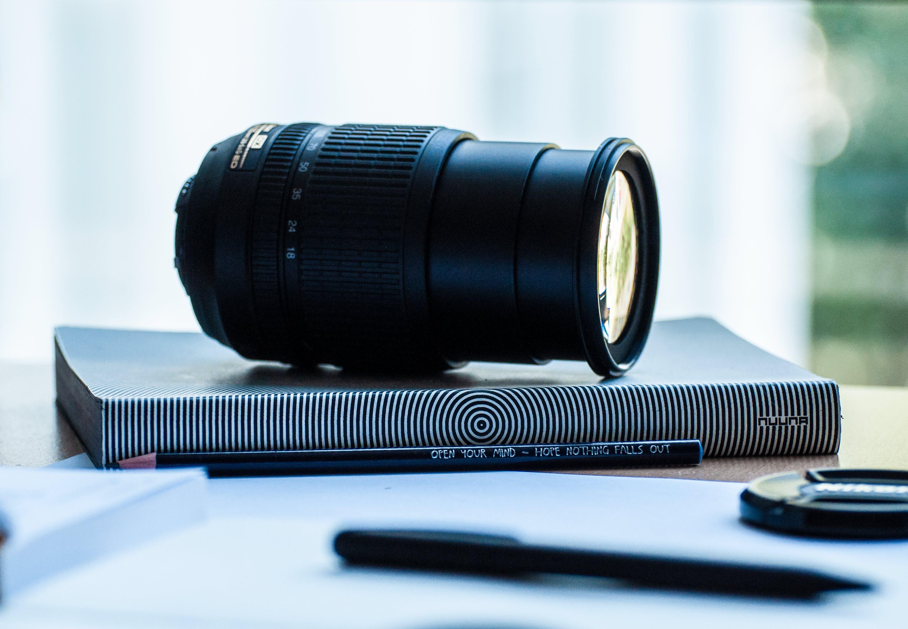 Fotos de stock gratuitas de abertura, analógico, blanco y negro, cámara