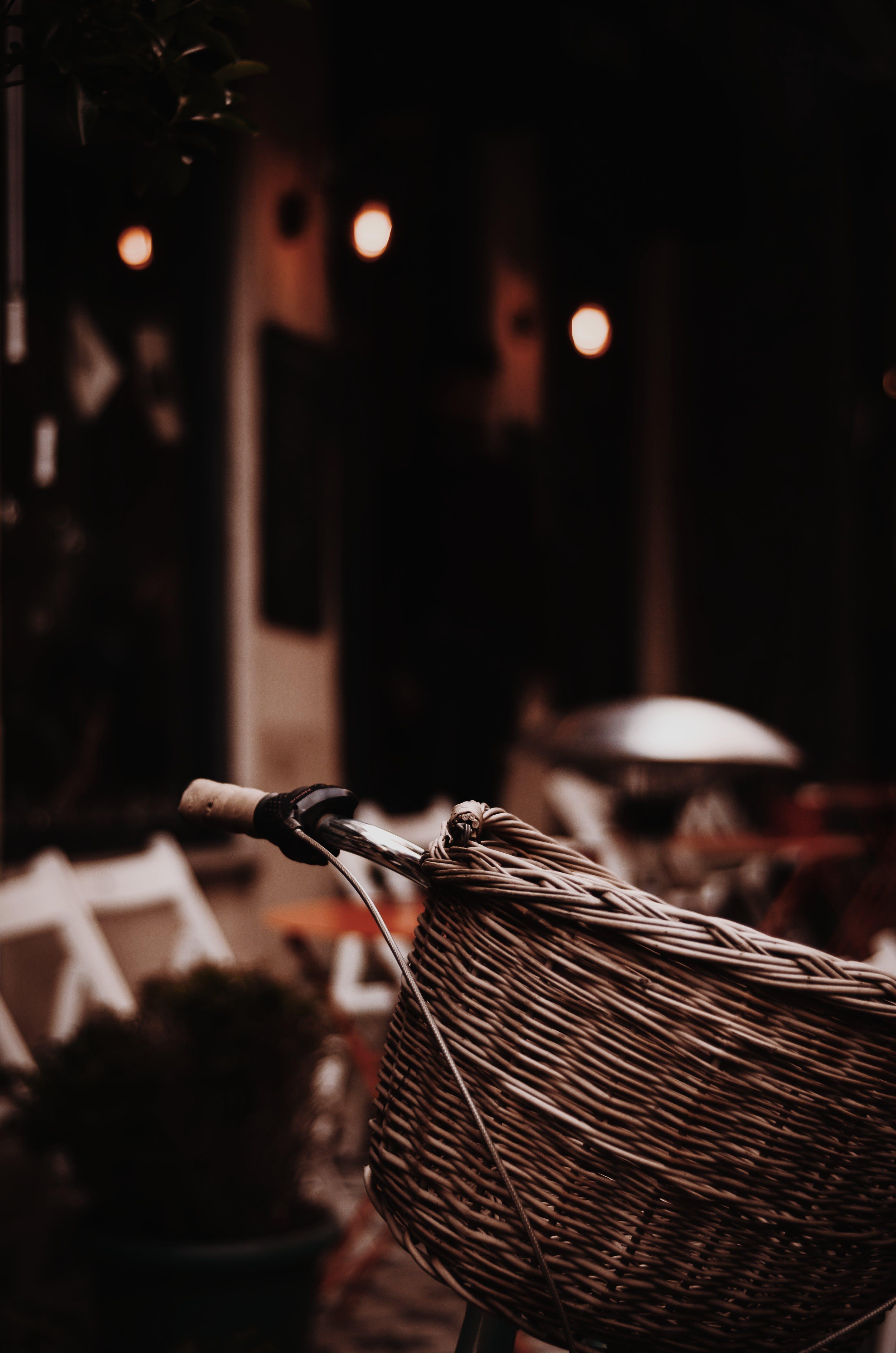 ahşap, bisiklet, bulanıklık, hasır sepet içeren Ücretsiz stok fotoğraf