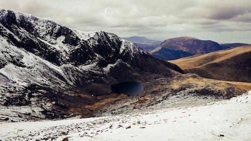 Kostenloses Stock Foto zu berg, draußen, gefroren, landschaft