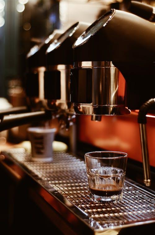 Immagine gratuita di bar, bevanda, bevanda al caffè, bicchiere