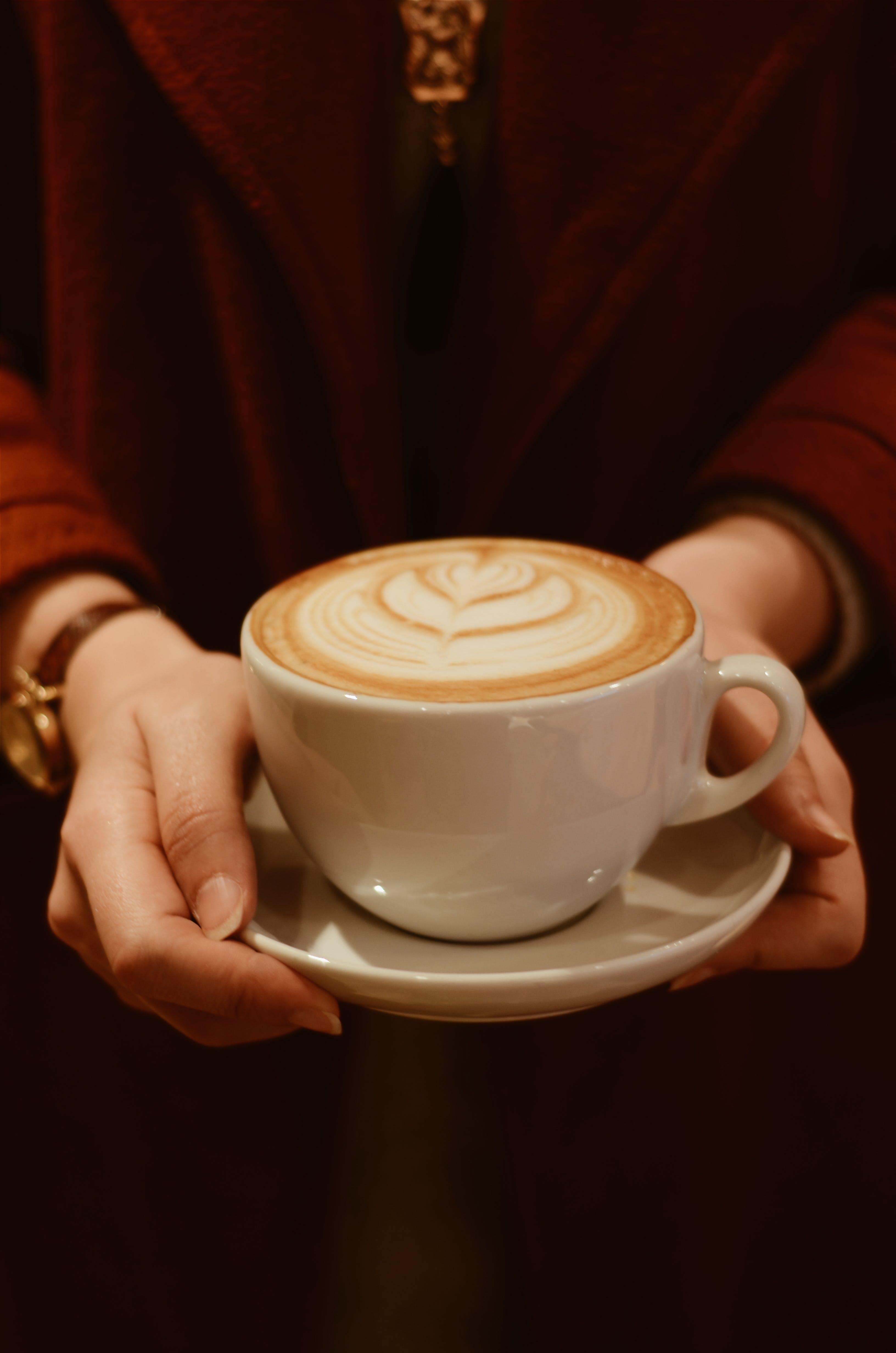 cappuccino, csésze kávé, csészealj