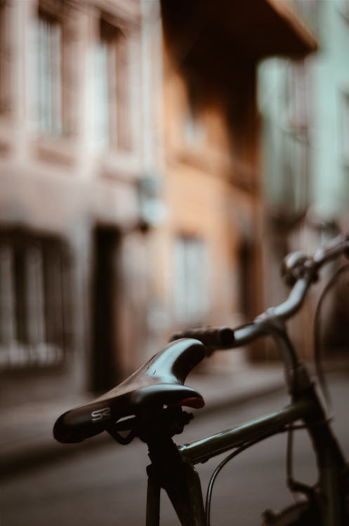 Black Commuter Bike