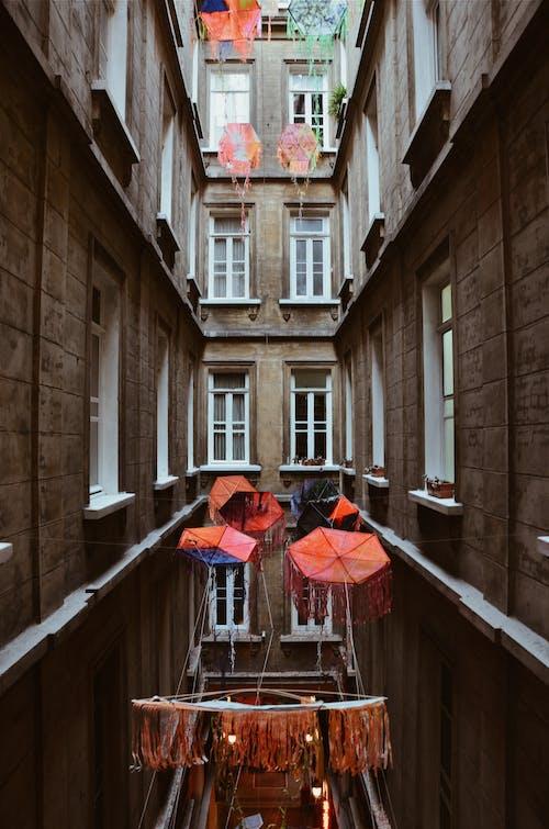 건축, 건축 설계, 도시의, 매달린의 무료 스톡 사진