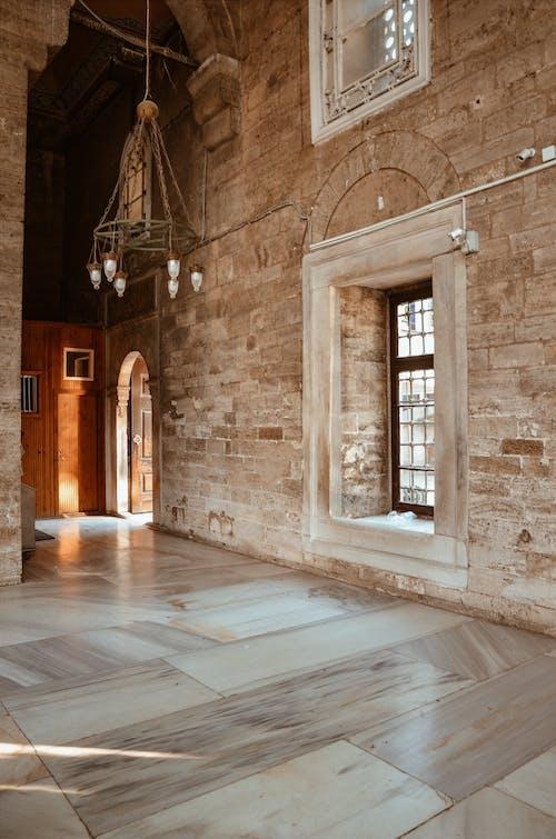 內部, 吊燈, 地板, 城市 的 免費圖庫相片