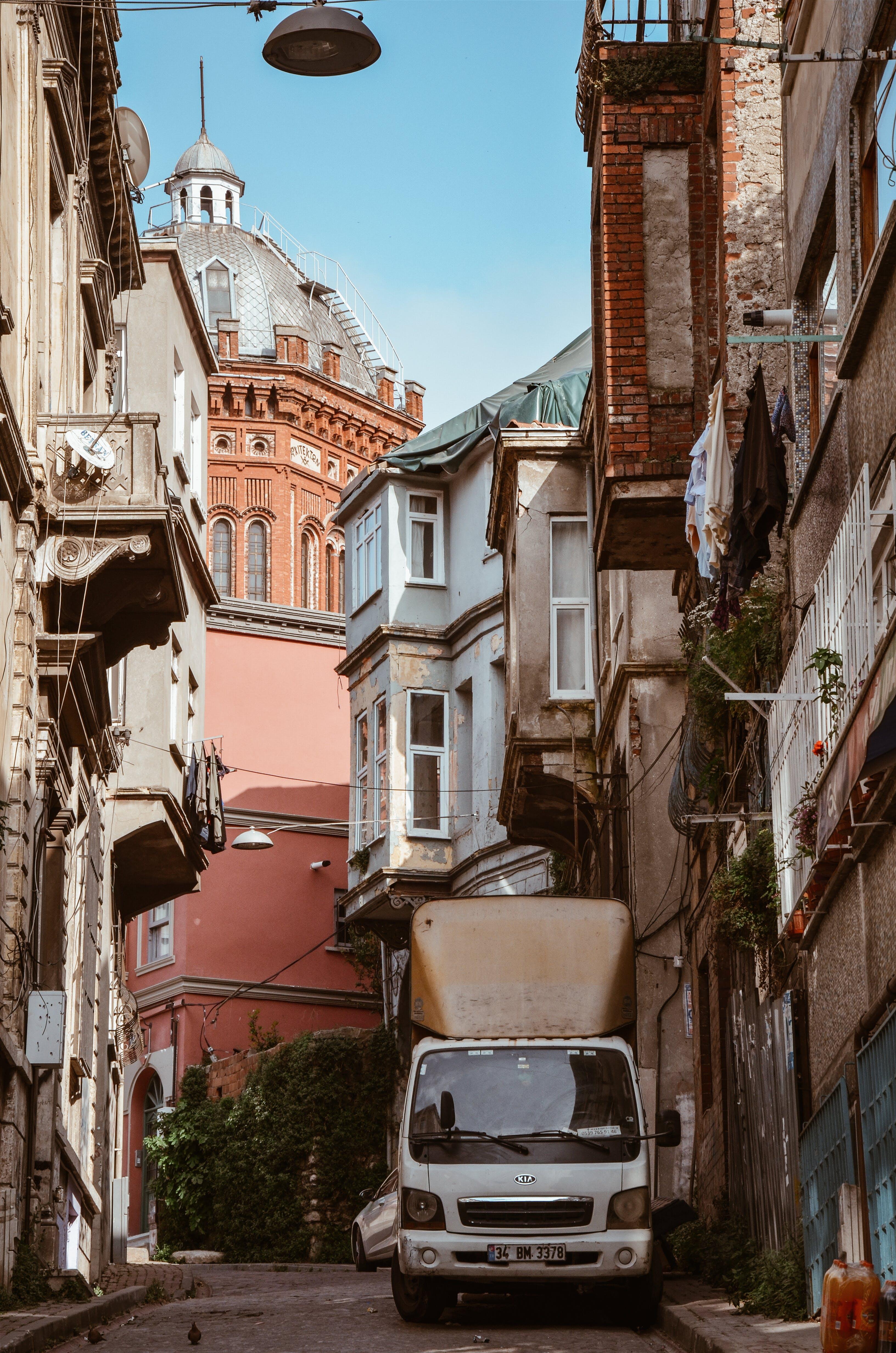Δωρεάν στοκ φωτογραφιών με αρχιτεκτονική, αστικός, δρόμος, εξωτερικός χώρος