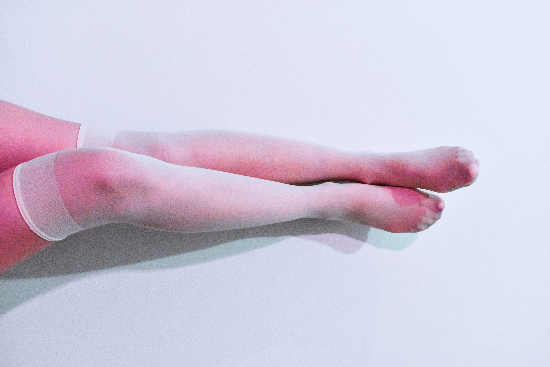 Foto stok gratis bertelanjang kaki, cewek, kaki, kaum wanita