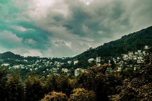 Kostnadsfri bild av berg, bergsutsikt, dramatisk himmel, gangtok