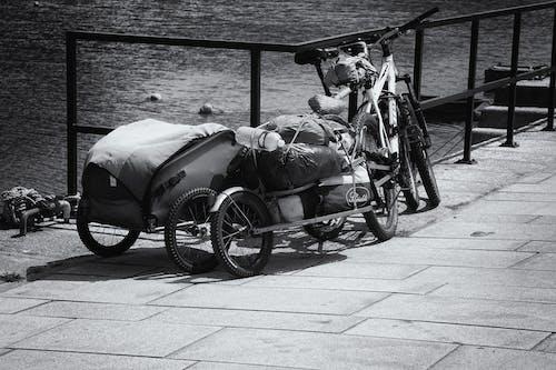Бесплатное стоковое фото с 10 евро, вода, дорога, колесо