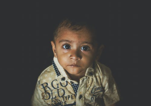 Kostnadsfri bild av asiatiskt barn, lynnig, mörk, oskuldsfull