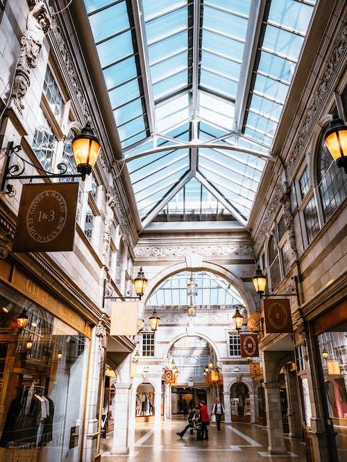 Δωρεάν στοκ φωτογραφιών με mall, Άνθρωποι, αρχιτεκτονική, αρχιτεκτονικό σχέδιο