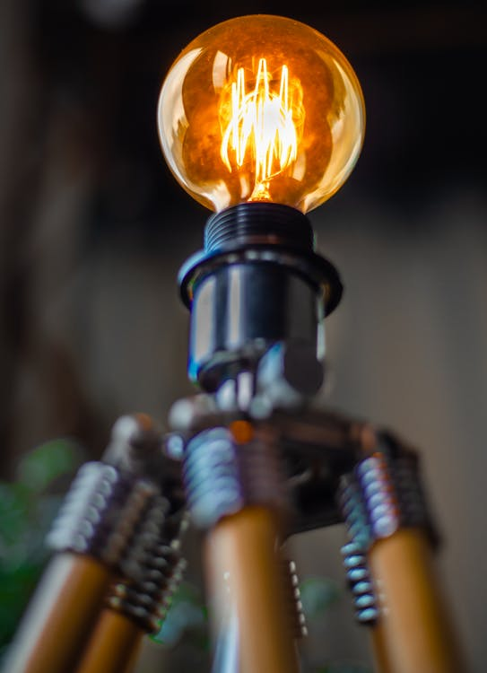 elektromosság, fény, izzó