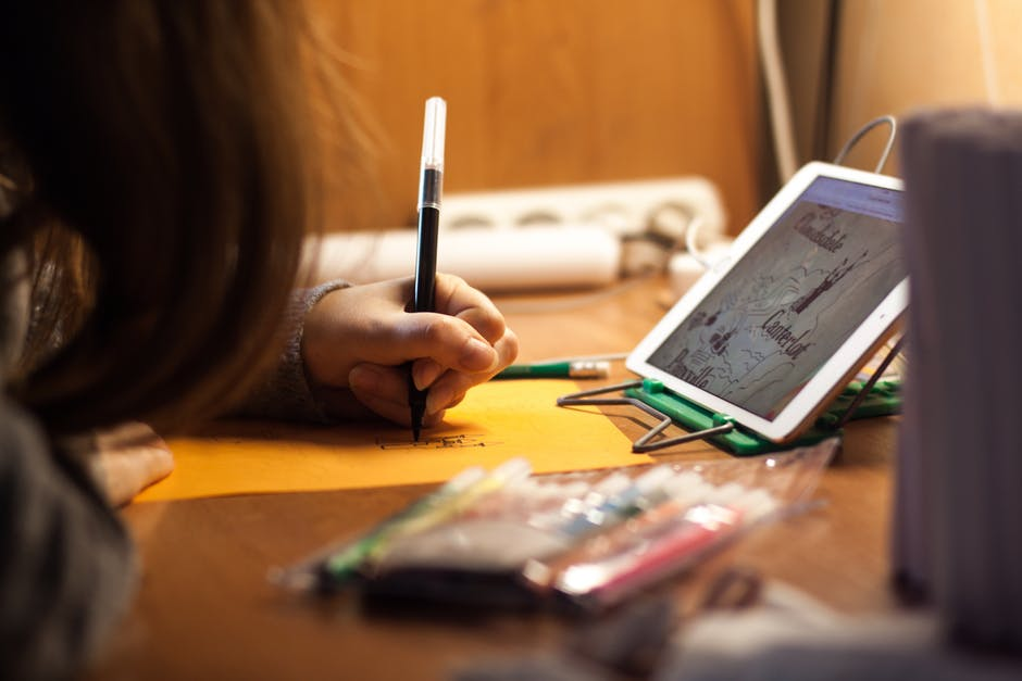 ทำอย่างไรเมื่อ ลูกไม่ชอบเขียนหนังสือ ไม่ชอบทำการบ้าน!