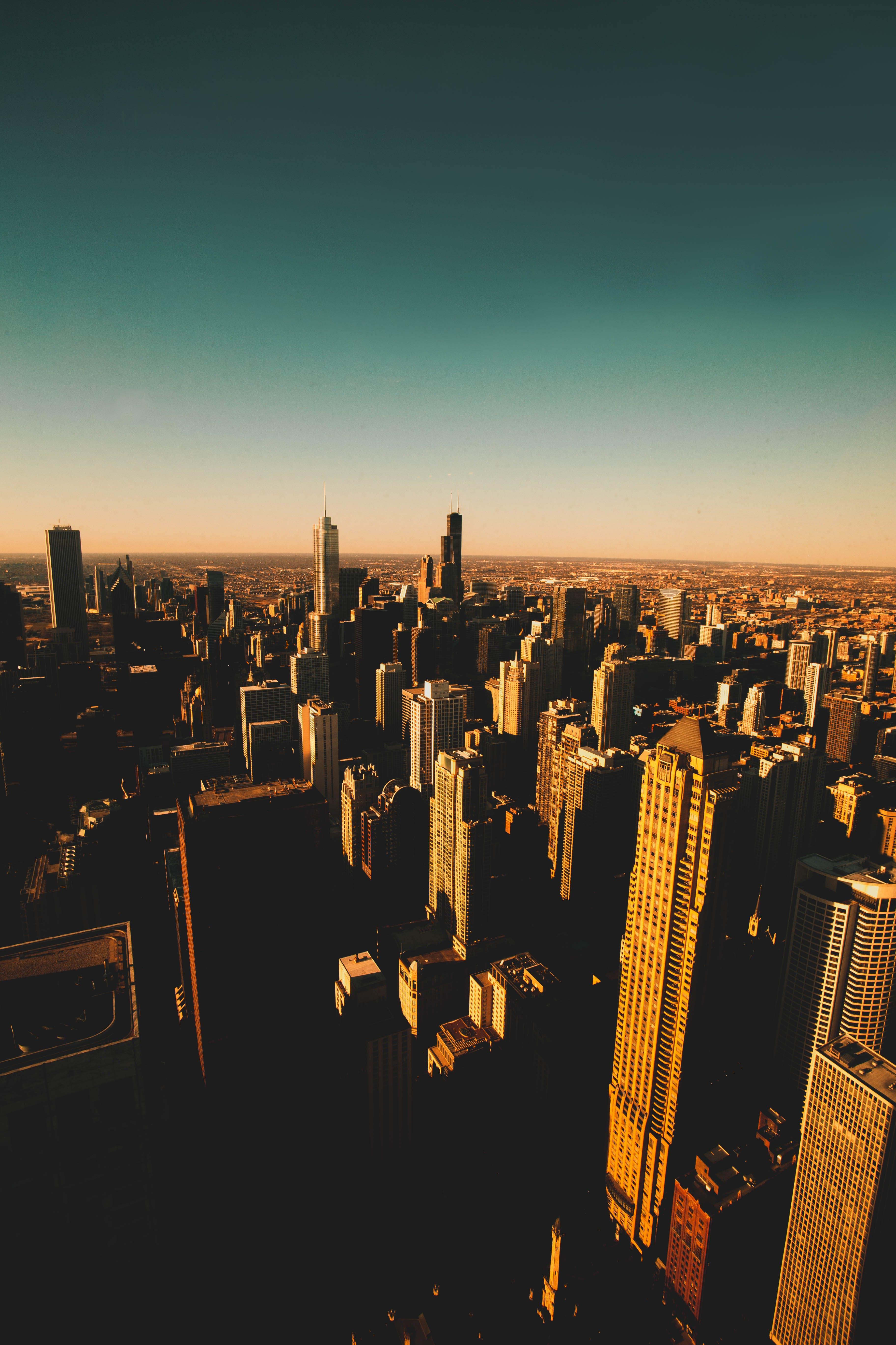 akşam karanlığı, binalar, gökdelenler, gün batımı içeren Ücretsiz stok fotoğraf