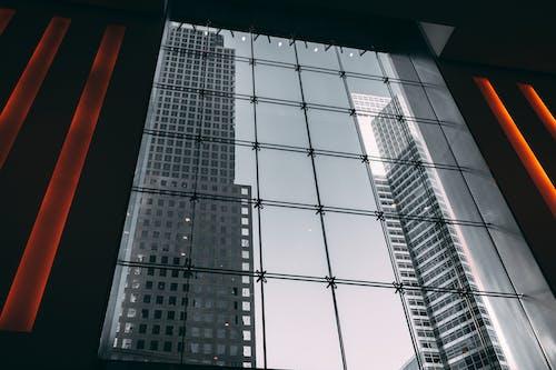 Foto d'estoc gratuïta de arquitectura, articles de vidre, centre de la ciutat, ciutat