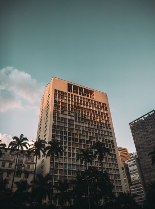 Безкоштовне стокове фото на тему «архітектура, Будівля, жаб'яча перспектива, Міський»