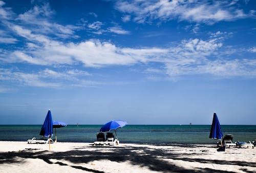 Ilmainen kuvapankkikuva tunnisteilla hiekkaranta, ranta, sininen meri, valtameri